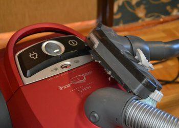 Schwingschleifer mit Absaugung | Welcher Vibrationsschleifer hat die beste Absaugfunktion?