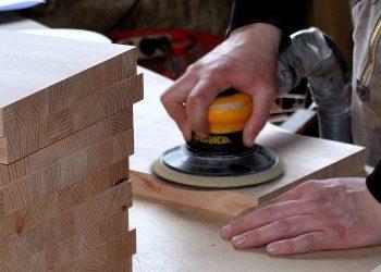 Holz schleifen (Tipps) | Richtig abschleifen & polieren